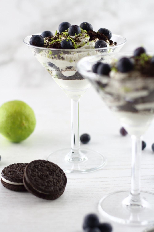 Desserttraum - Mascarpone-Limettencreme mit Heidelbeeren & Oreo
