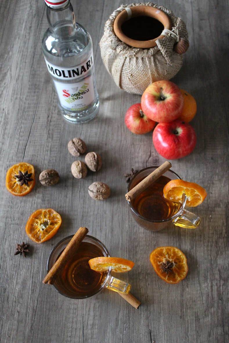 Apfel-Glühwein mit Molinari