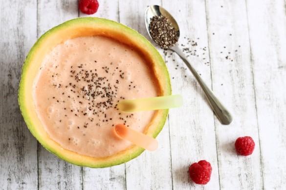 Melonen-Himbeer-Smoothie mit Kokosmilch