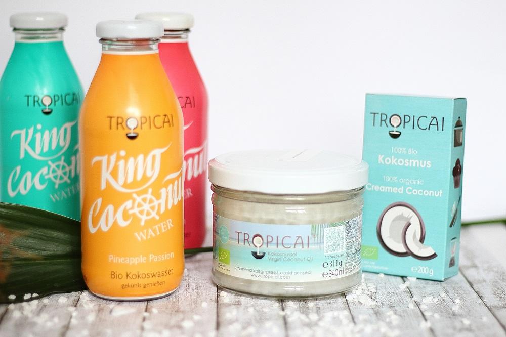 1. Bloggeburtstag - Tropicai Gewinnspiel - Iced Coco-Berry Smoothie