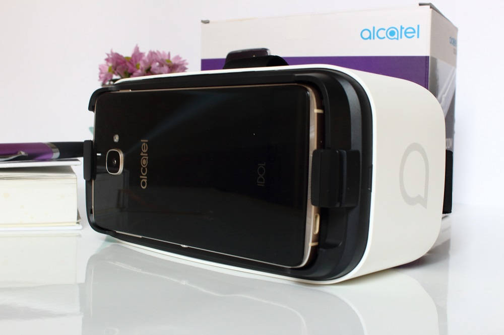 Boom me up - Das neue Alcatel Idol 4s - VR-Brille