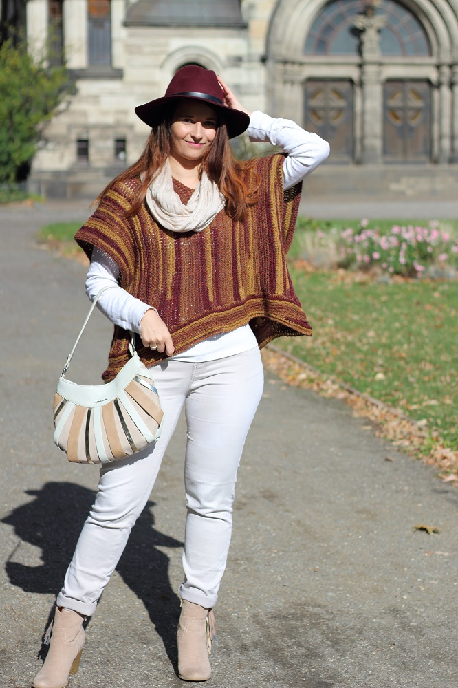 outfit-daily-dreamery-poncho-love