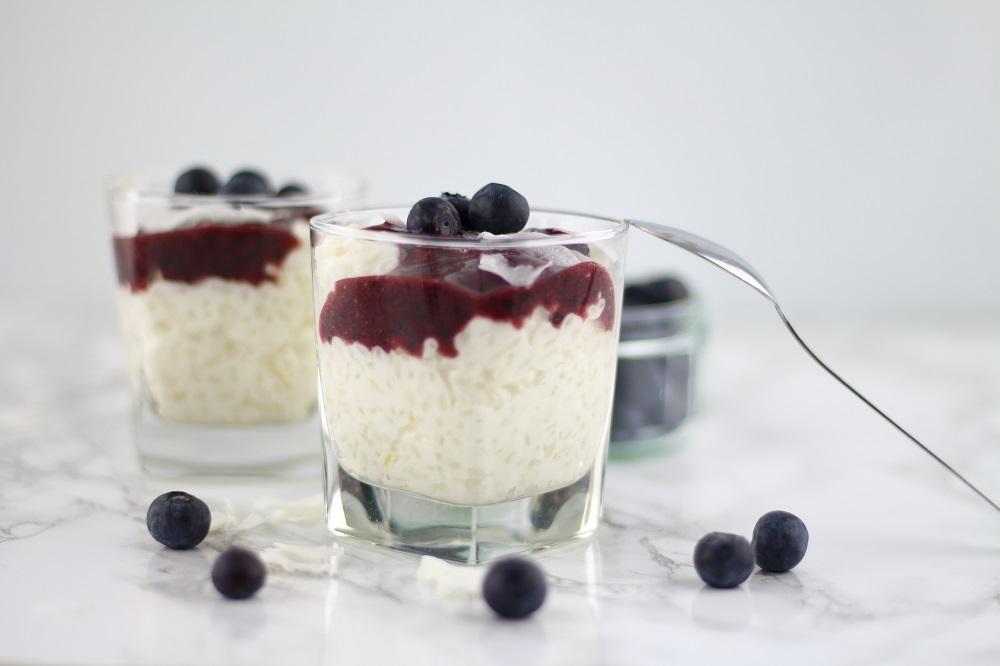 Rezept - Kokosmilchreis mit Joghurt und Heidelbeeren - Dessert - Nachtisch - Milchreis - Heidelbeersauce - Kokos