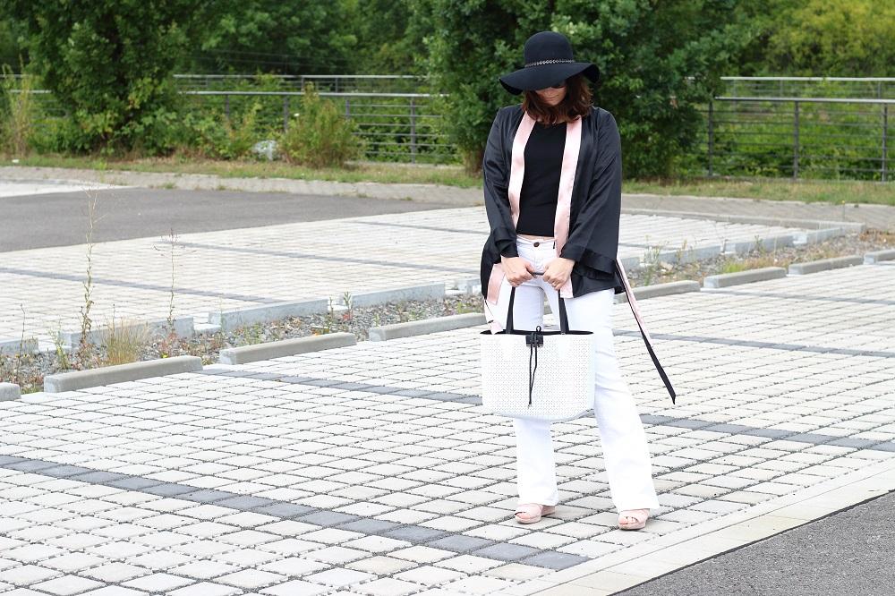 [Anzeige] Outfit Black & White mit den passenden Accessoires von Brandfield - Schwarz-Weiß-Look richtig kombinieren