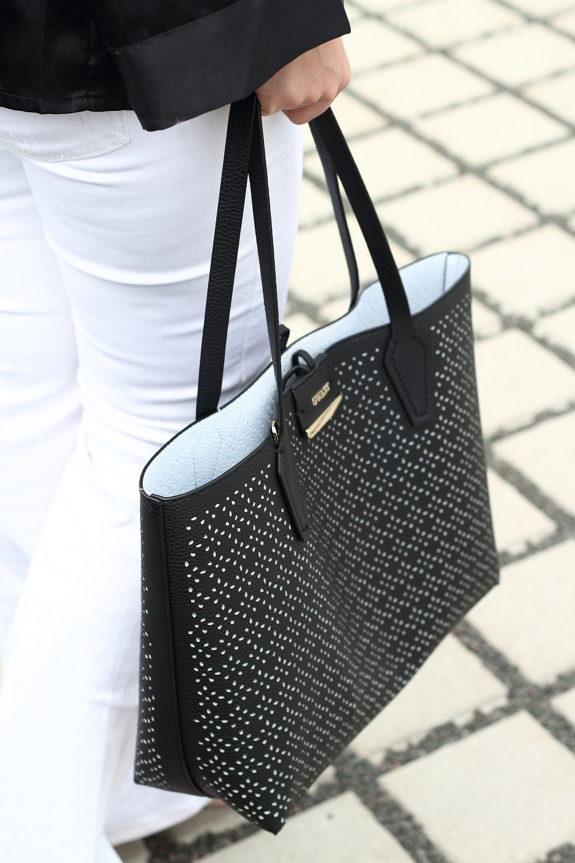 [Anzeige] Outfit Black & White mit den passenden Accessoires von Brandfield - Guess Wendeshopper Bobbi