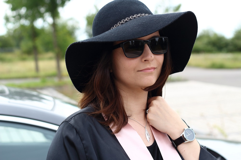 [Anzeige] Outfit Black & White mit den passenden Accessoires von Brandfield - Oozoo Armbanduhr & Selected Jewels Feder-Kette