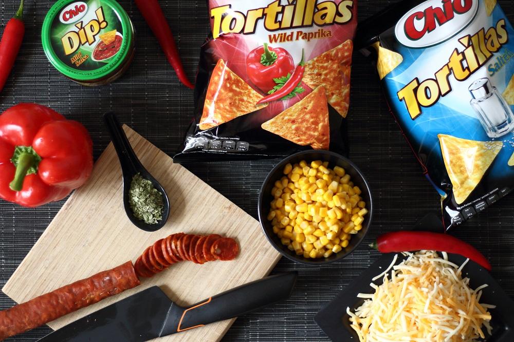 [Anzeige] Chio Tortiallas Rezepte - Pikant-milde Nacho Pizza mit Chio Tortillas - Zutaten