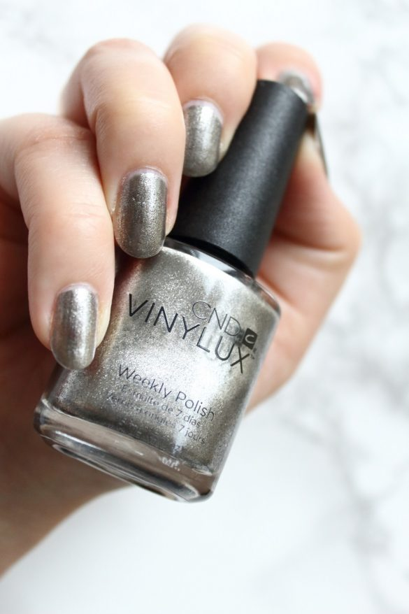 [Anzeige - Produktplatzierung] CND Vinylux Nightspell Collection - Mercurial Tragebild
