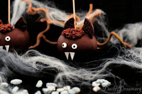 [Link Collection] Die besten Halloween-Ideen von Bloggern - Schoko-Apfel Fledermäuse von Daily Dreamery