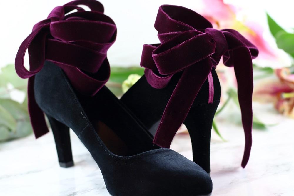 DIY Designer-Schuhe - So wertet ihr schlichte Samtpumps elegant auf