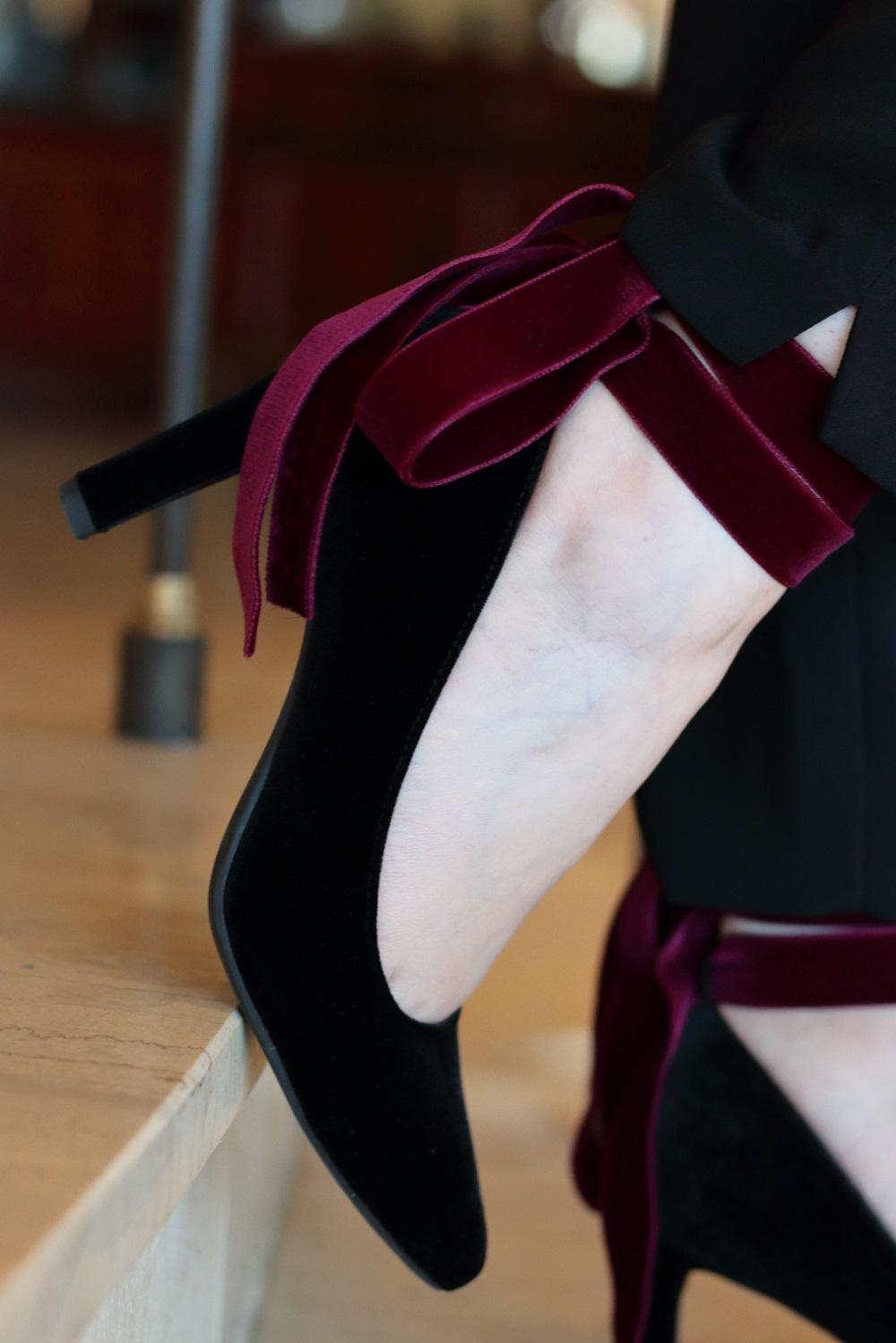 [Anzeige] Mein Heiligabend-Look mit Eterna & Giveaway zum 4. Advent - DIY-Designerschuhe - Samtschuhe mit Schleife