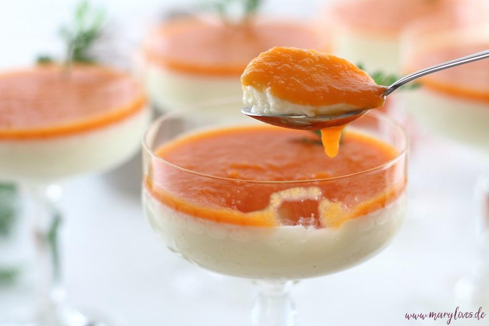 Zuckerfreie Ostern: Panna Cotta mit Buttermilch und Honig und süßem Karotten-Topping