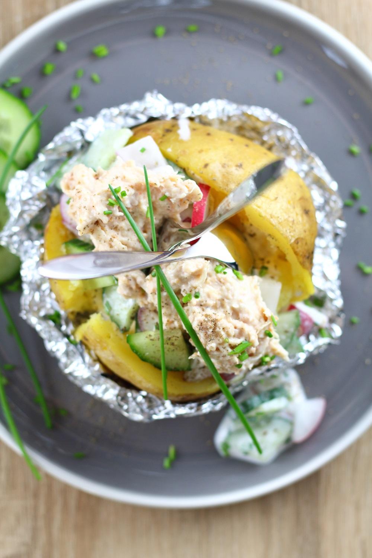 [Anzeige] Kumpir mit Gurken-Radieschen-Dip und Pulled Chicken Topping von Gutfried