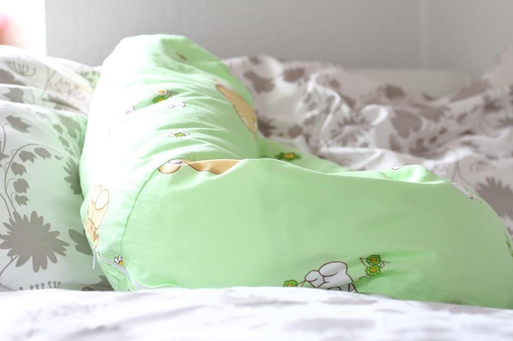 [Anzeige] Gesunder Schlaf für eine gesunde Schwangerschaft - Stillkissen
