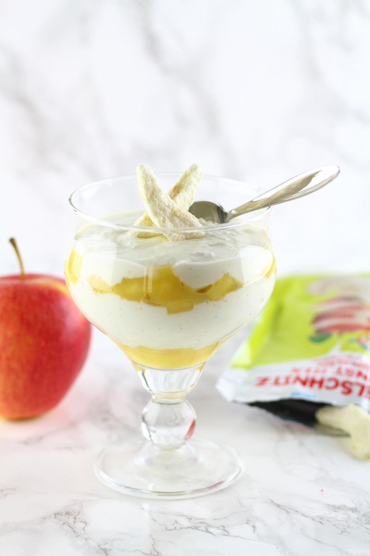 [Anzeige] Apfel-Vanille-Quarkspeise mit natürlicher Süße mit dem neuen HiPP Apfelschnitz