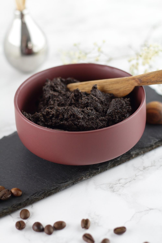 DIY Kaffee-Kokos-Körperpeeling - Natürliche Pflege für seidig weiche Haut