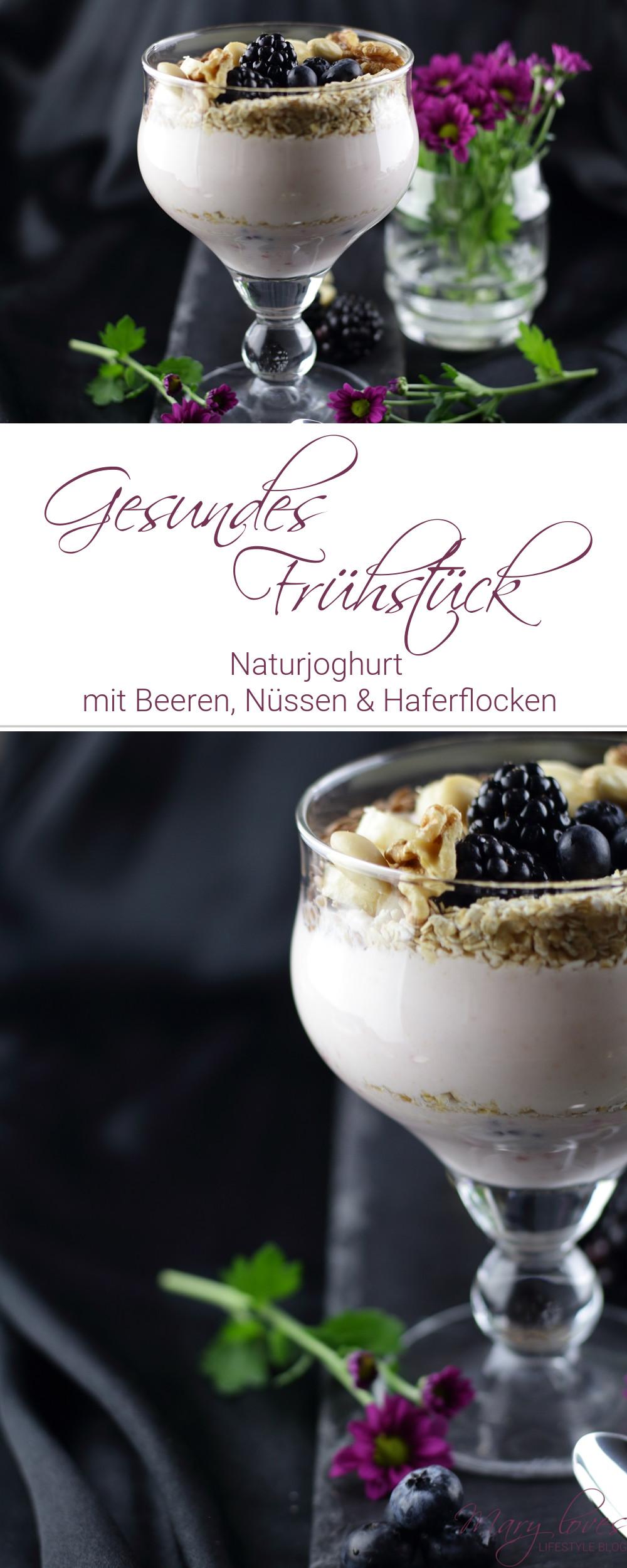 Gesundes Frühstück - Naturjoghurt mit Beeren und Topping voller Energie - #frühstück #naturjoghurt #joghurt #haferflocken #brombeeren #breakfast #heidelbeeren #leinsamen #nüsse #gesund