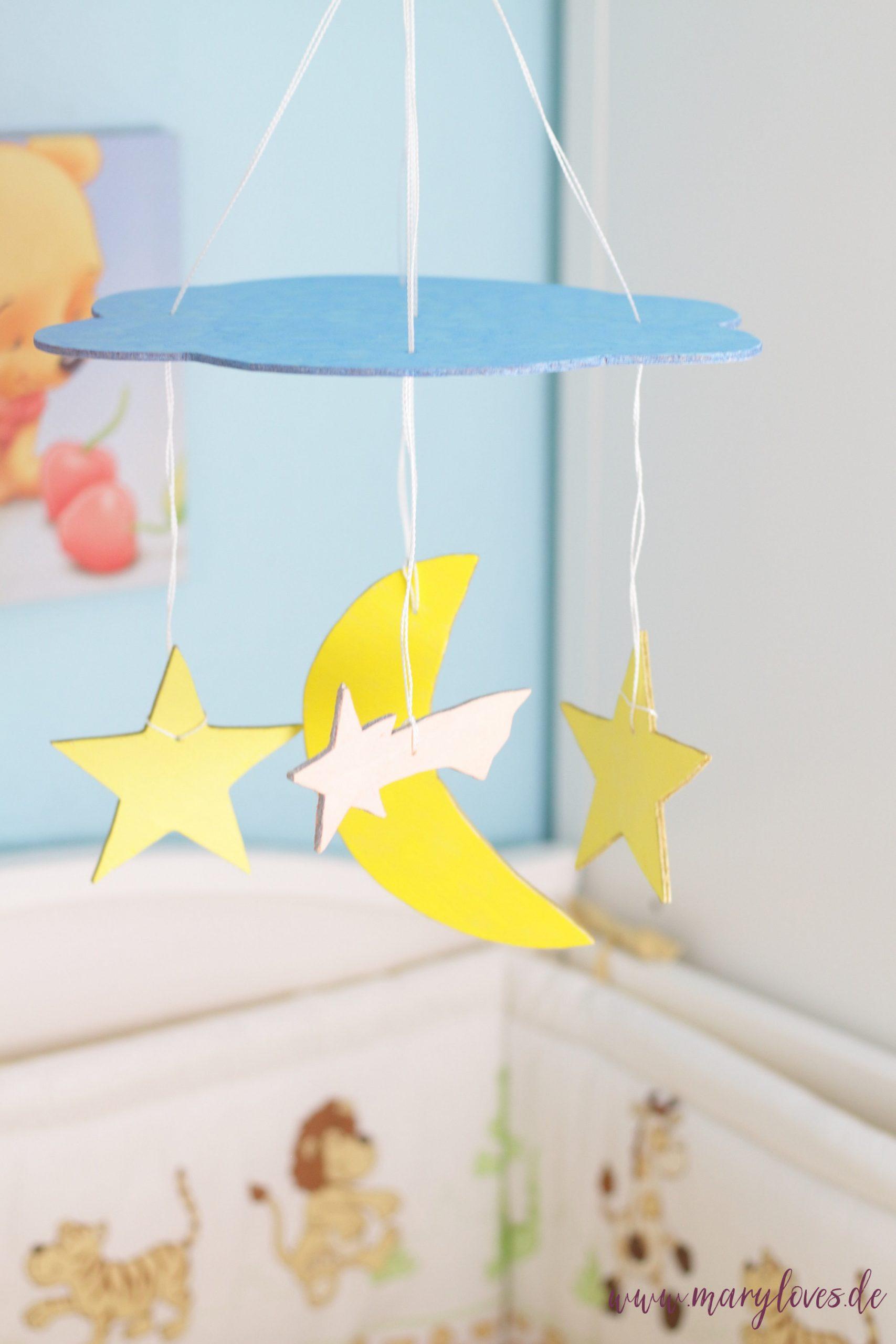 """Basteln für's Baby: DIY Mobile """"Wolke, Mond & Sterne"""""""