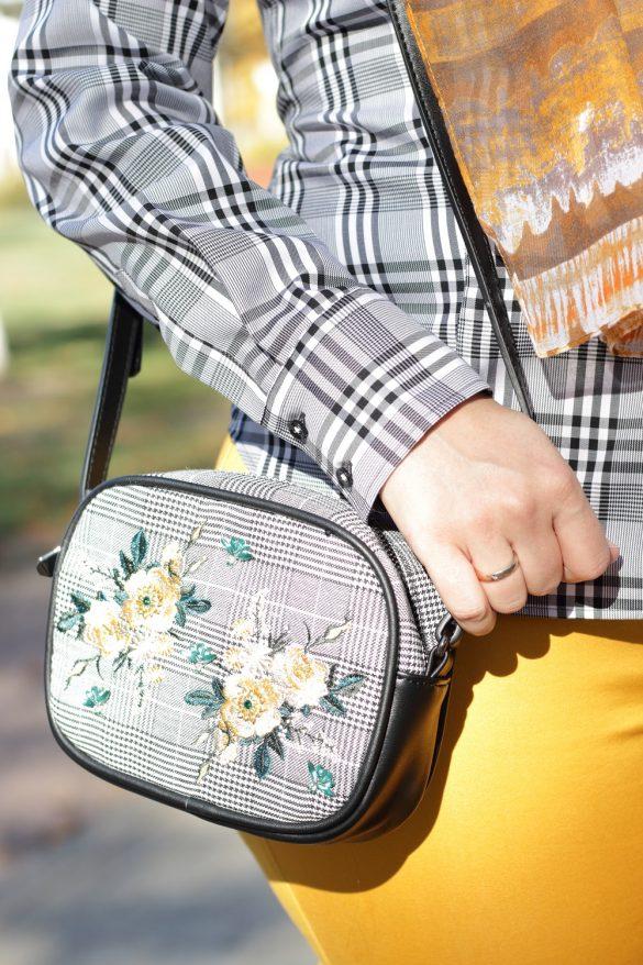 [Anzeige] Mein Herbstoutfit mit dem Trendmuster Karo - Tasche mit Karomuster und Blumenstickerei