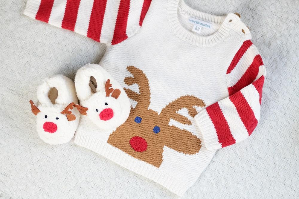 [Anzeige] Warm eingepackt - Die richtige Babykleidung für kalte Tage - Rentierpullover & Schühchen