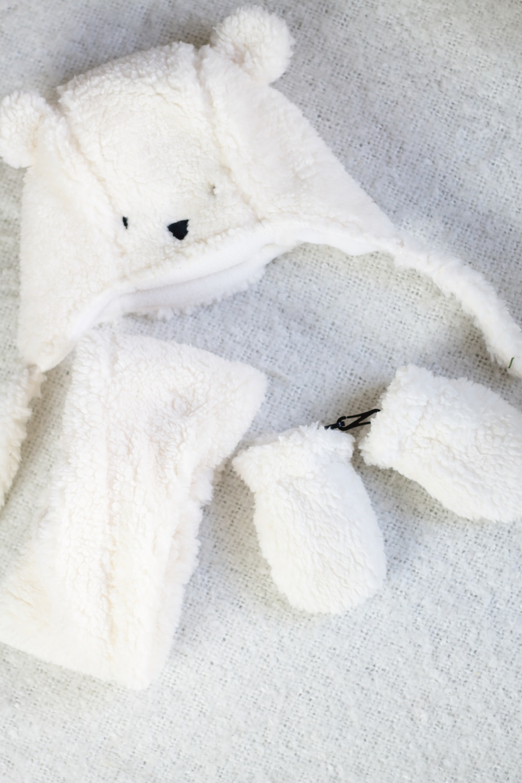 [Anzeige] Warm eingepackt - Die richtige Babykleidung für kalte Tage - Schal, Mütze & Handschuhe
