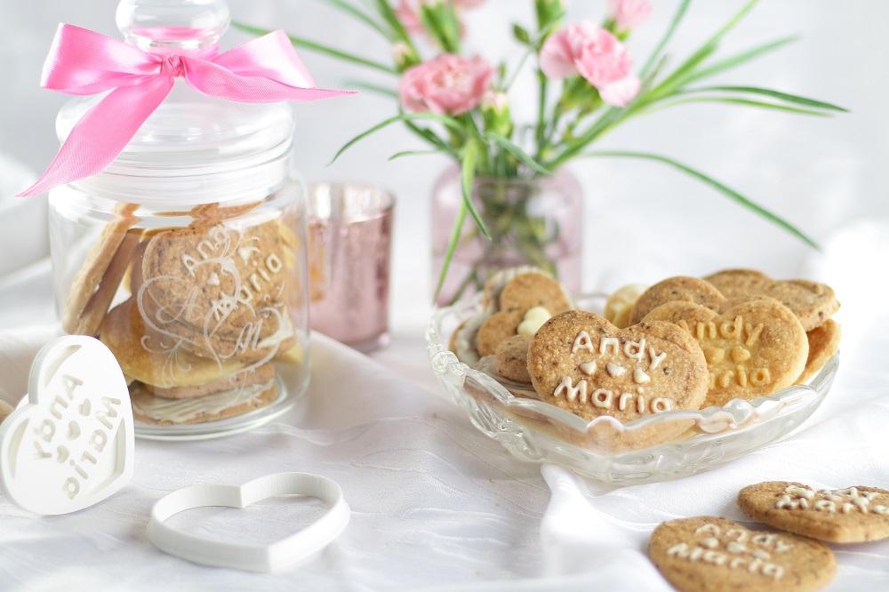 [Anzeige] Personalisierte Geschenke aus der Küche & Erdbeer-Kekse zum Valentinstag