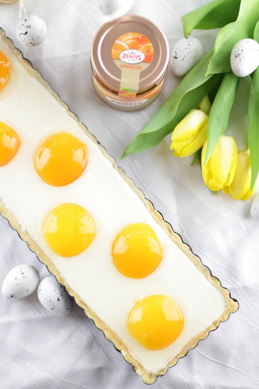 [Anzeige] Süßer Osterbrunch - Aprikosen-Schmandtarte in Spiegeleioptik