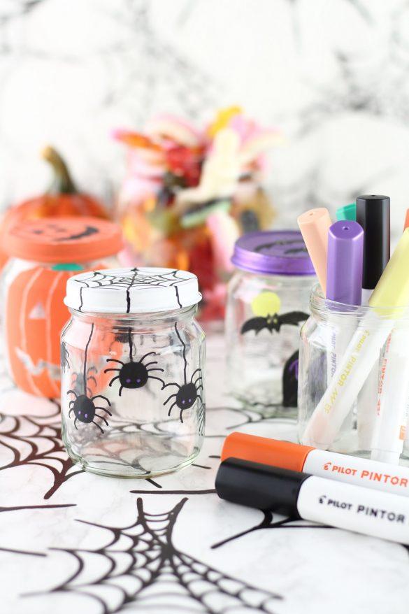 [Anzeige] DIY Halloween Süßigkeitengläser mit den Pintor Markern von Pilot selbst gestalten