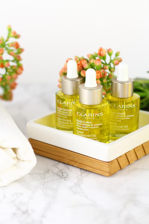 [Anzeige] Natürliche Hautpflege mit der neuen Clarins Aromaphytocare-Linie - natürliche Gesichtsöle