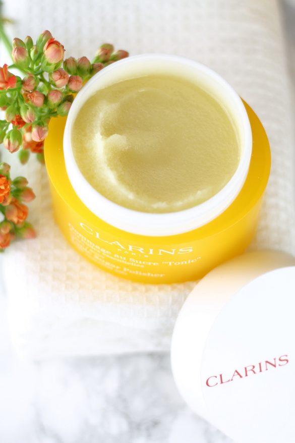 [Anzeige] Natürliche Hautpflege mit der neuen Clarins Aromaphytocare-Linie - natürliches Körperpeeling