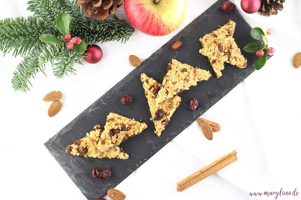Gesund Naschen - Winterliche Apfel-Hafer-Nussecken mit Cranberries