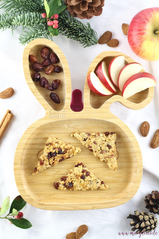 Gesunder Snack für Babies & Kinder - Winterliche Apfel-Hafer-Nussecken mit Cranberries