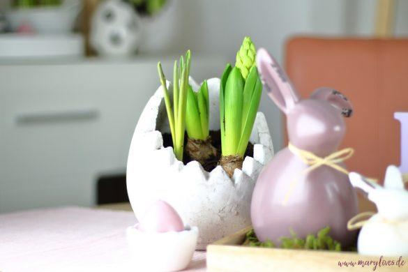 Natürlich-schöne Oster-Tischdeko mit den ersten Frühlingsblumen