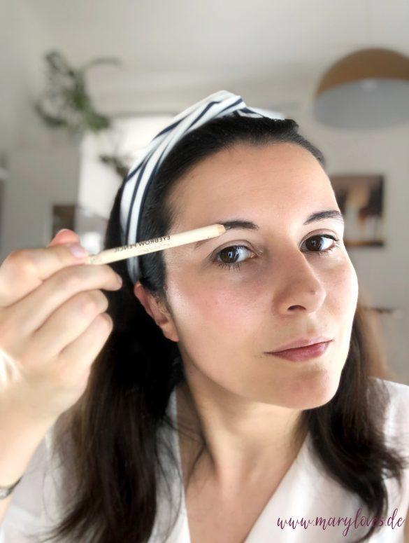 Augenbrauen nachziehen mit dem Augenbrauenstift von GRN – shades of nature
