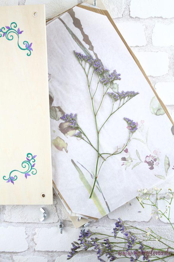 Blumenpresse aus Holz selber bauen und Blumen trocknen lassen