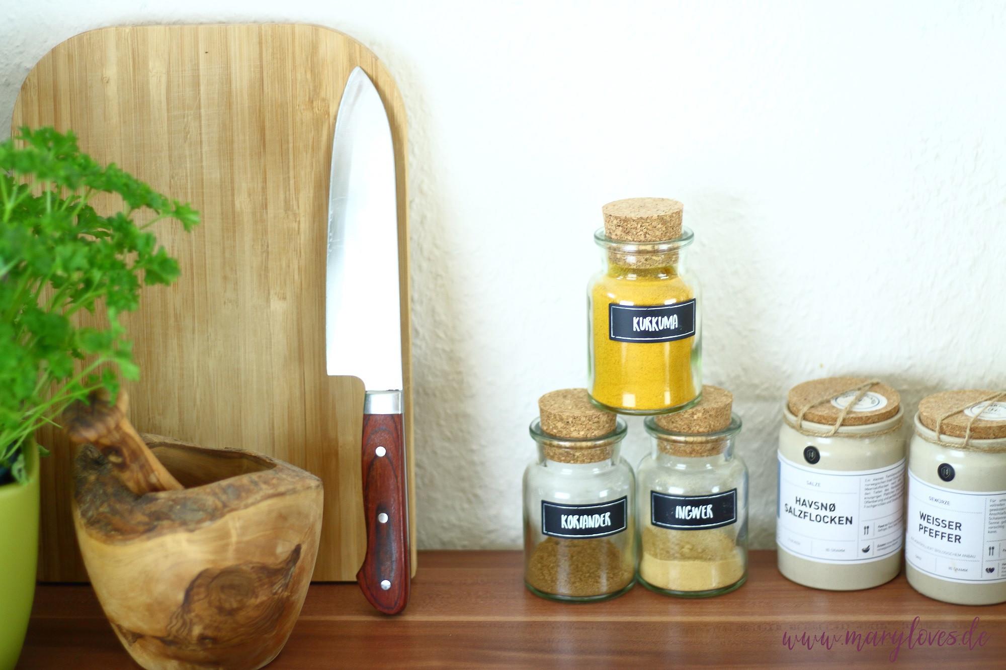 Nachhaltige Küche - Vorratshaltung in Gläsern und Natürlichkeit durch Holzprodukte