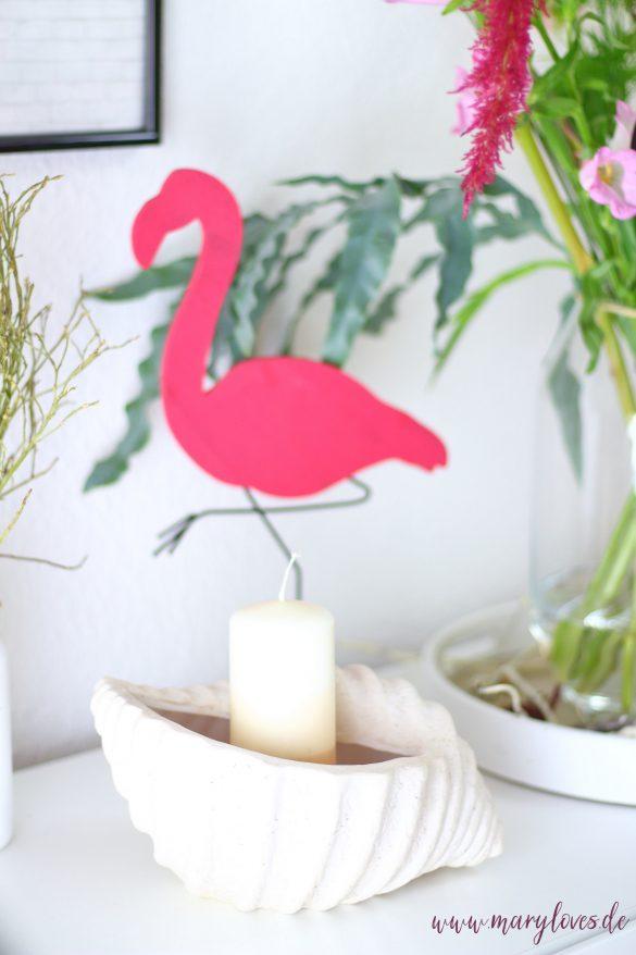 Sommerlich dekorieren mit Flamingos und Muscheln