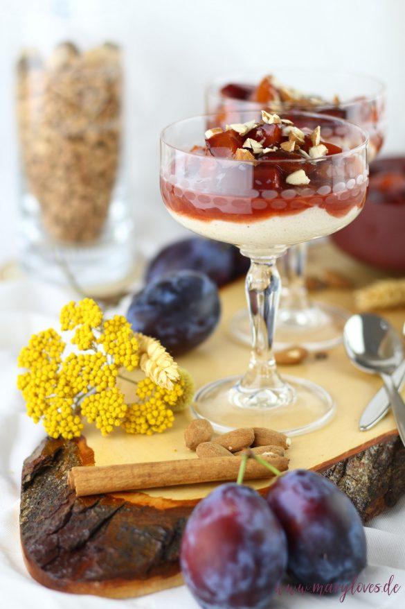 Herbstliches Dessert: Mandelgrießbrei mit gebackenen Zimtpflaumen