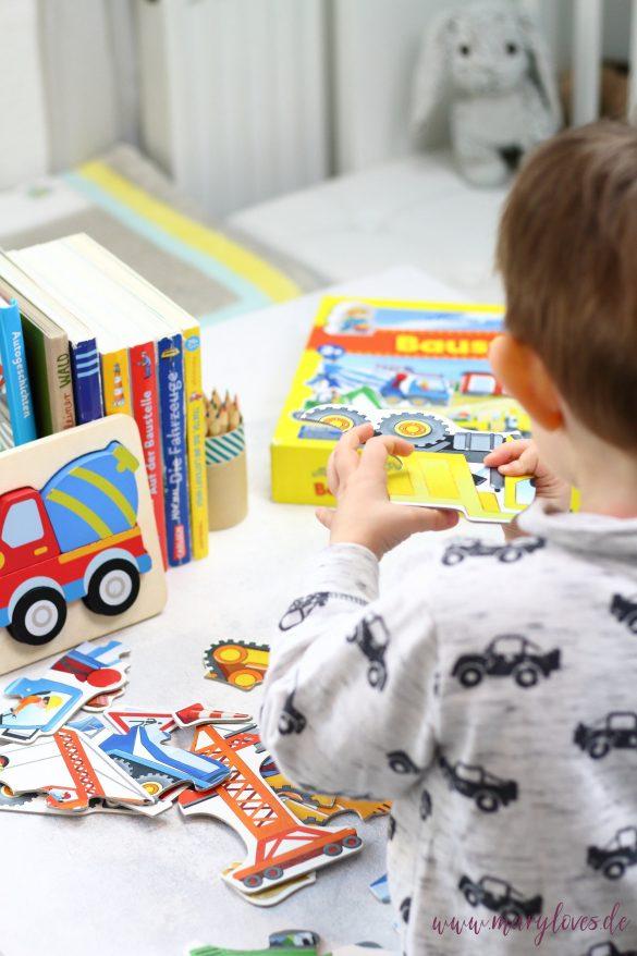 11 Spiel- & Beschäftigungsideen für Kleinkinder zu Hause -Idee 1: Puzzle z.B. Baustellenpuzzle