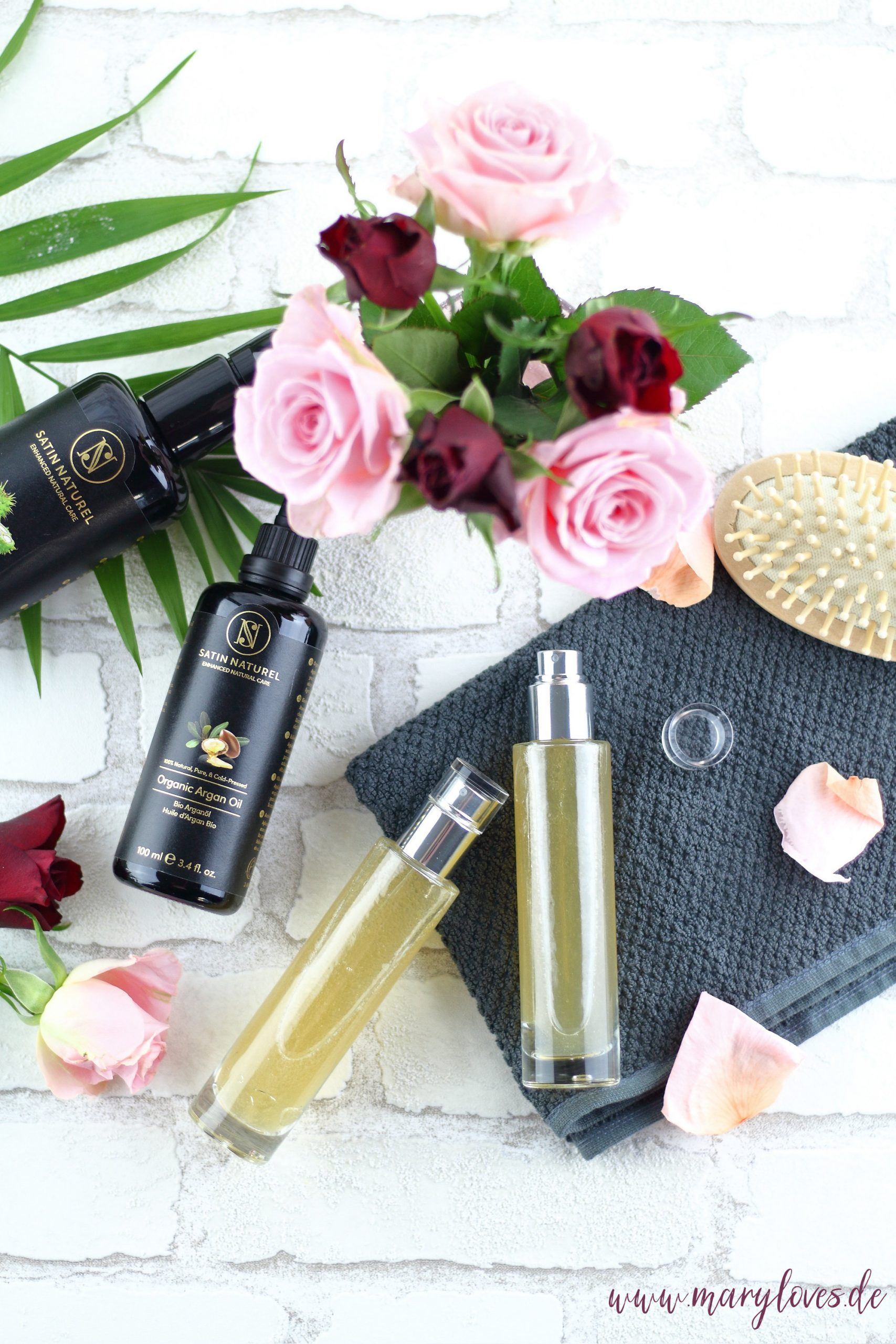 Natürliche Haarpflege mit selbstgemachten Haarwasser aus Leinsamen, grünem Tee und den Bio-Ölen von Satin Naturel