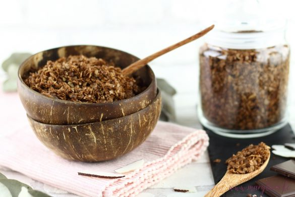 Schoko-Kokos-Granola als gesundes Frühstück