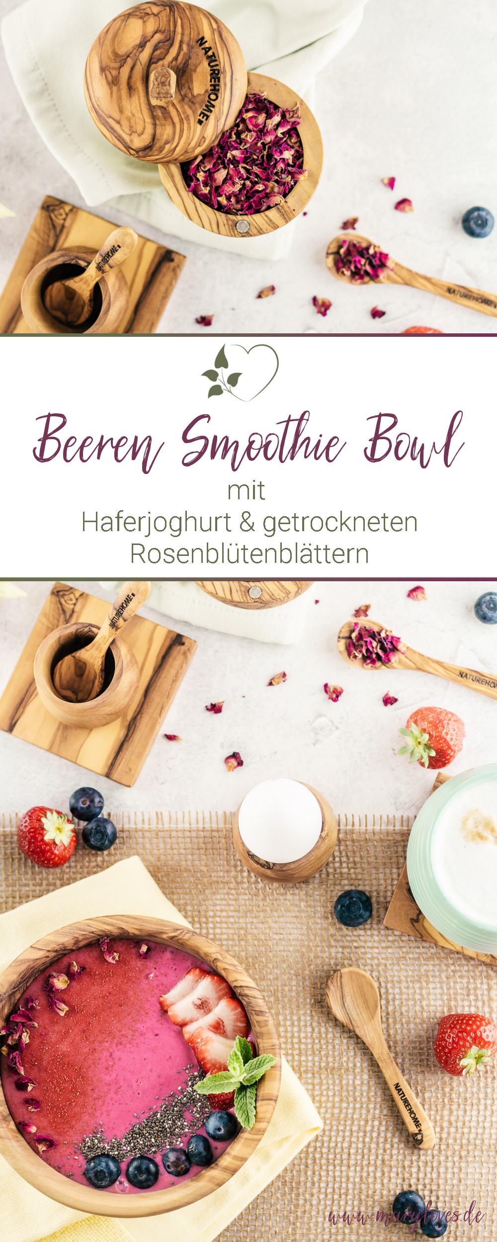 [Anzeige] Beeren Smoothie Bowl mit getrockneten Rosenblütenblättern - #smoothiebowl #frühstück #beerensmoothiebowl #smoothie #frühstücksrezept #zuckerfrei #vegan